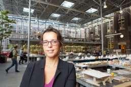 2017 november - In opdracht van Volta_thinksvisual voor Bouwfonds Property Development GO18 ezine #05; portret van Ellen van Bueren. Op locatie hoofdkantoor TU-Delft Faculteit Bouwkunde. ©2017 Raymond de Vries (RAY fotografie/beeld/ontwerp)