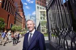 2018 juli - In opdracht van Volta_thinksvisual voor Bouwfonds Property Development GO18 ezine #08; portret Erik-Jan van Kempen (ministerie van BZK Den Haag).