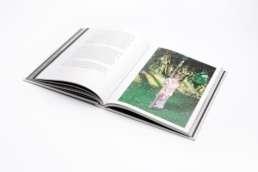 Boekpublicatie 'Je traverse la montagne' door fotograaf Raymond de Vries en schrijver Vincent Goussey. ©2012 Raymond de Vries ~ Vincent Goussey
